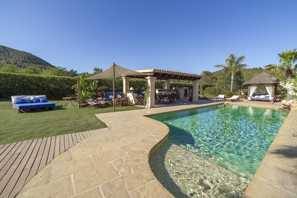 Mooi landhuis in Km 5 in de buurt van Cala Jondal met toeristische vergunning
