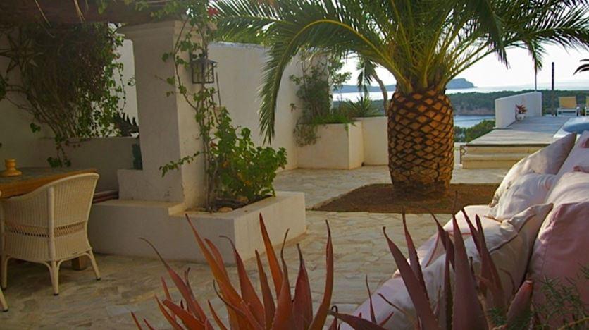 Prachtige villa te koop met een prachtig uitzicht op zee in Cala Bassa