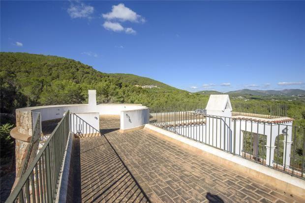 Karakteristieke Finca in Santa Eulalia met uitzicht en groot perceel