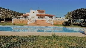 Mooie huis te koop Ibiza met licentie voor een moderne villa in Can Rimbau