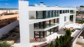 3 verdiepingen tellend gebouw te koop in Los Molinos Ibiza