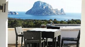 Villa in Cala Carbo met toeristische vergunning en een fantastisch uitzicht op Es Vedrá