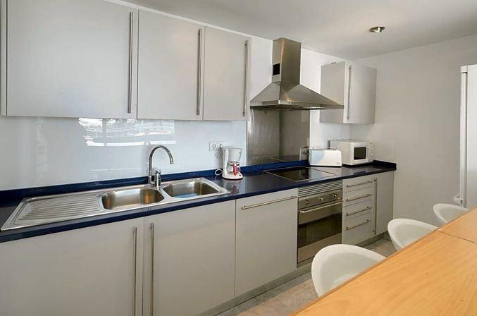Mooi modern appartement in het Miramar-complex in Marina Botafoch