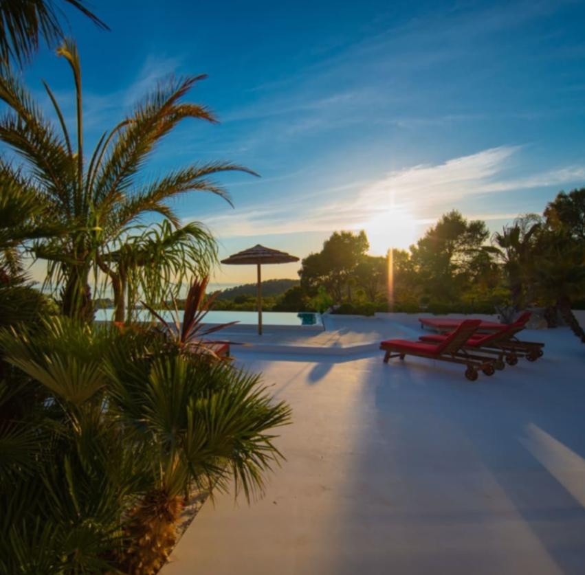 Luxe villa in Sant Josep de Sa Talaia met uitzicht op de zonsondergang