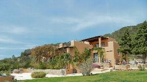 Villa op een prachtige locatie met sep. Pension, uitzicht op zee - Es Cubells
