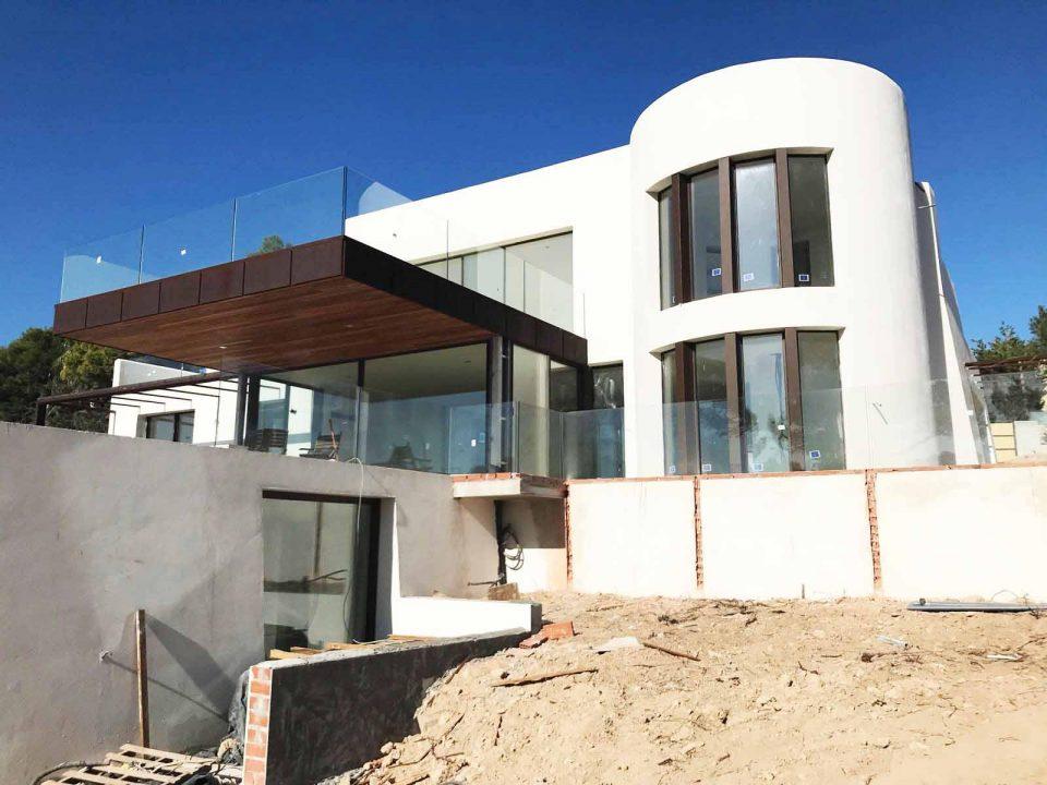Nieuw gebouwde luxe villa in de buurt van Cala Comte