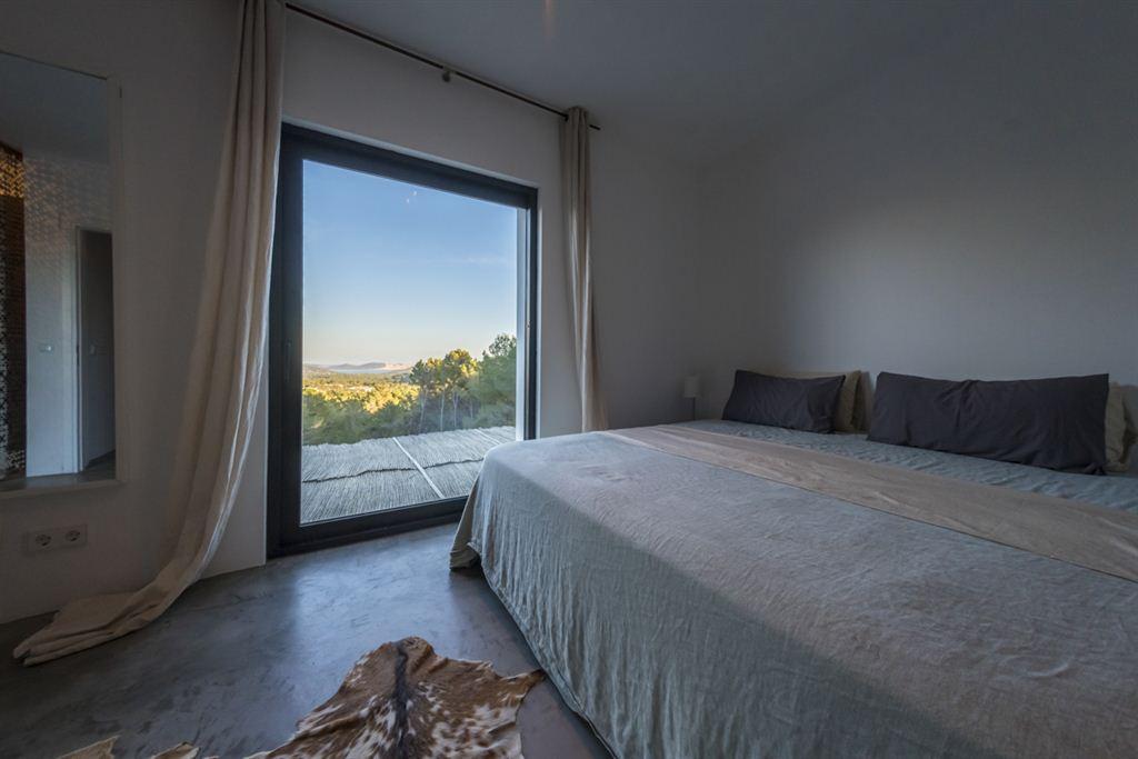 Moderne villa met fantastisch uitzicht op de zee en Formentera