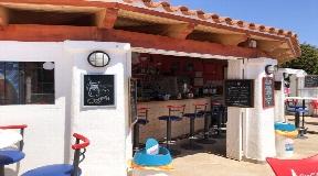 Lucrative Business Opportunity - Bar bij het zwembad in Santa Eulalia met uitzicht op zee te koop
