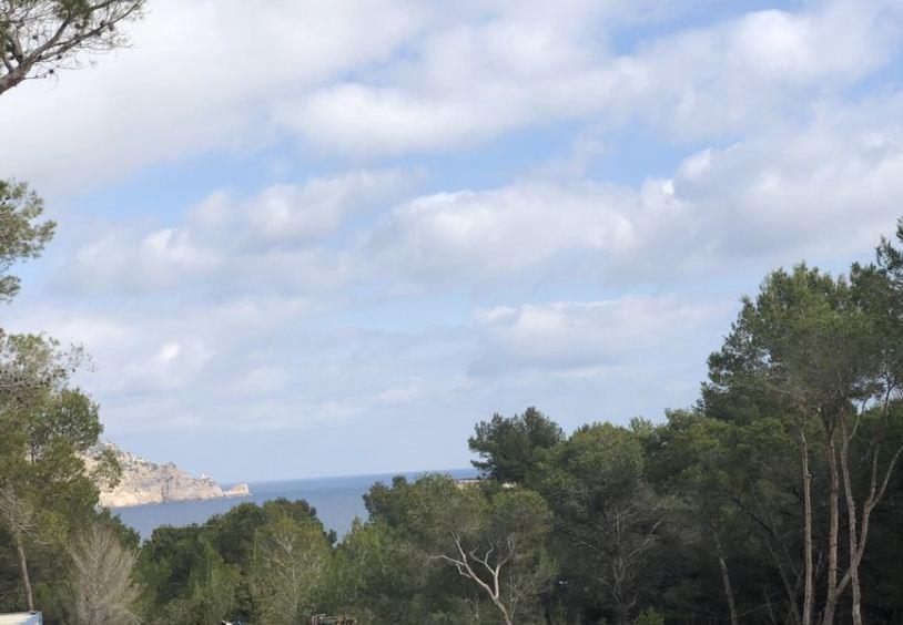 1800 m2 perceel met vergunning gelegen in het mooie noorden van het eiland
