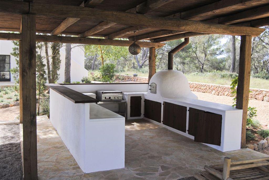 Gloednieuw gebouwde finca te Blakstad te koop met prachtig gastenverblijf in pure natuur