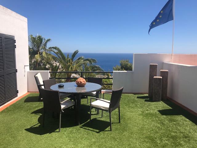 Villa te koop met fantastisch zeezicht in Roca Lisa