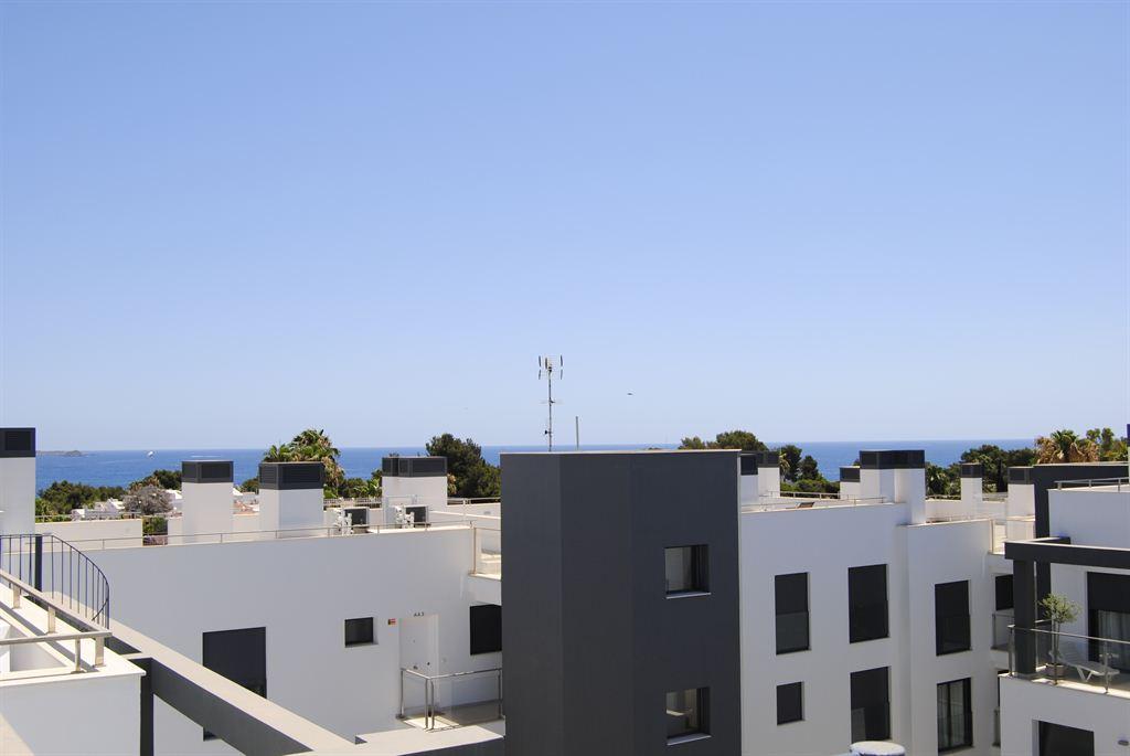 Modern penthouse in een nieuw gebouwd flatgebouw dicht bij alle voorzieningen in Siesta