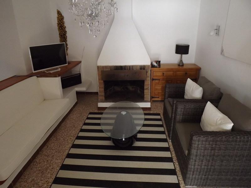 Schitterende villa met mooi uitzicht in Cala Saona te koop