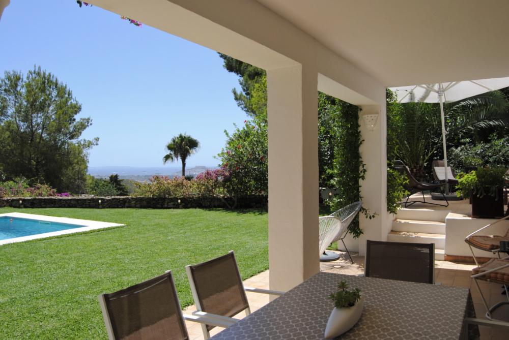 Prachtige villa met ongelooflijk uitzicht op zee bovenop Can Furnet
