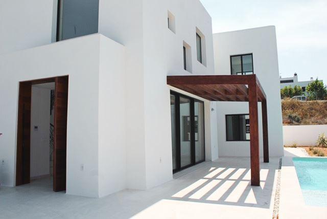 Nieuw gebouwd huis in Jezus met privé zwembad