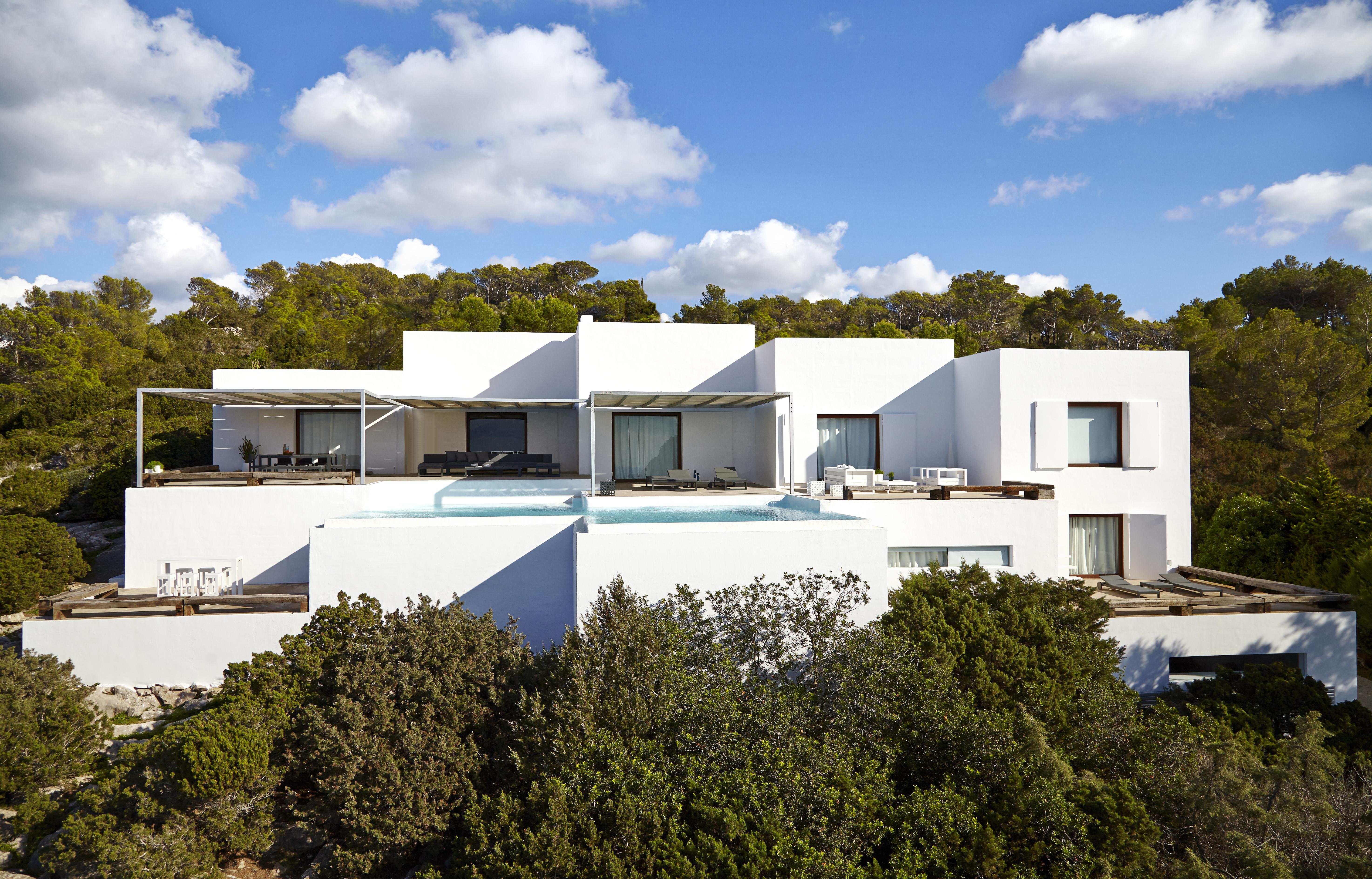 Minimalistische villa met oceaanpanorama in het noorden van Ibiza