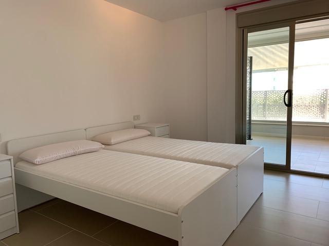 Breed appartement in de buurt van Talamanca te koop
