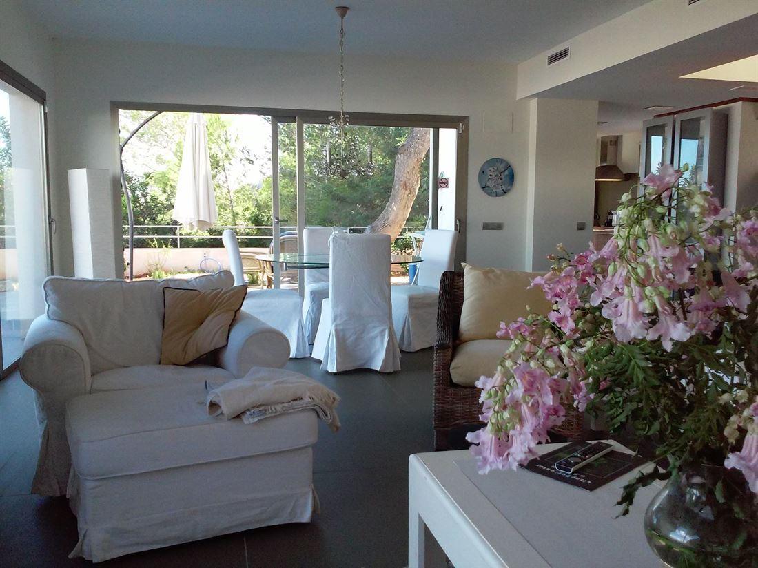 Modern herenhuis te koop in Roca Lisa met privézwembad