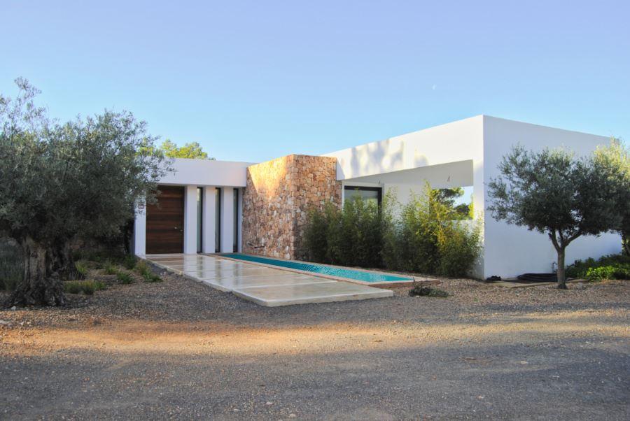 Nieuw gebouwde villa in San Augustin met groot land