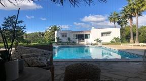 Charmant huis dicht bij het strand met tropische tuin