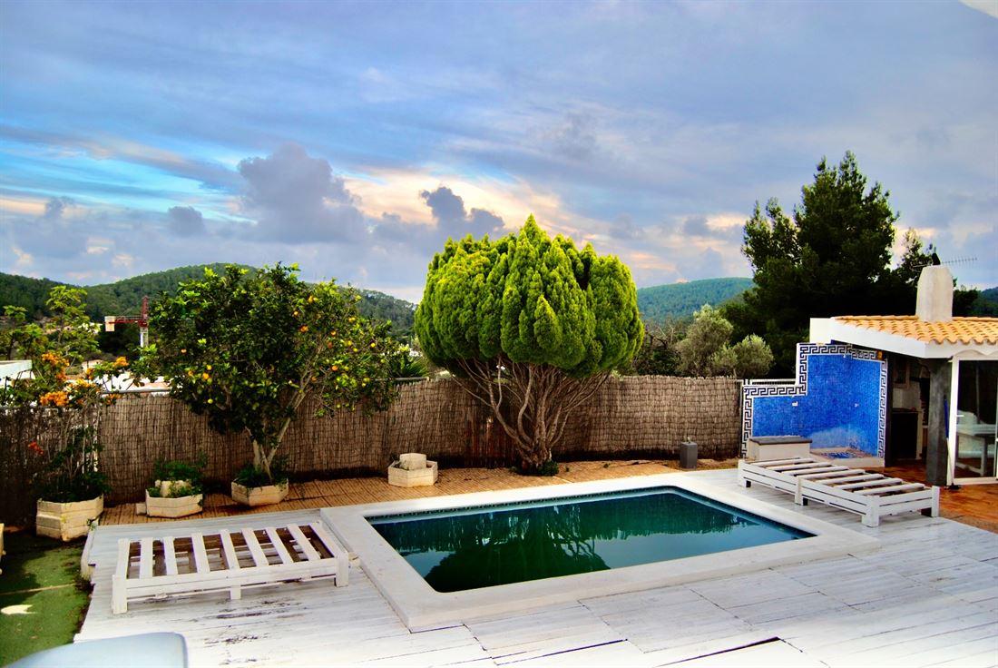 Gezellig huis met zwembad midden in San Jose