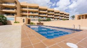 Mooi appartement aan zee te koop in Playa Den Bossa