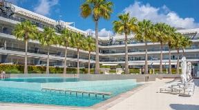 Luxe appartement met zwembad in Playa den Bossa te koop