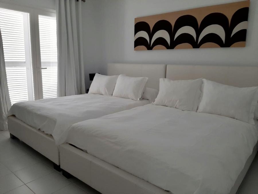 5 slaapkamer villa in exclusieve buurt van Las Salinas