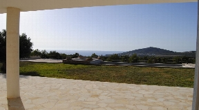Prachtige villa met bijgebouw en diensthuis met in totaal 650 m2