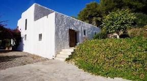 Landelijk huis te koop met uitgestrekte grond in Santa Gertrudis