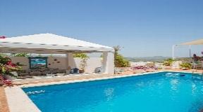 Prachtige villa gelegen in een van de meest exclusieve woonwijken van Ibiza