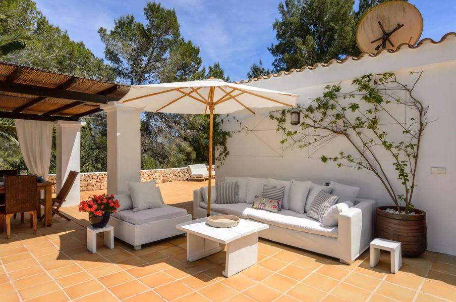 Villa van 350 m2 op een perceel van 5.000 m2 in een gebied Km. 4 Ctra. San José te koop
