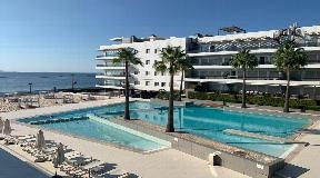 Prachtig appartement in een luxe woonwijk van 3 kamers met uitzicht op zee