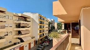 Geweldig groot stadsappartement op Ibiza te koop