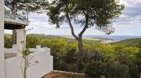Charmante landelijke villa in het noorden met uitzicht op zee