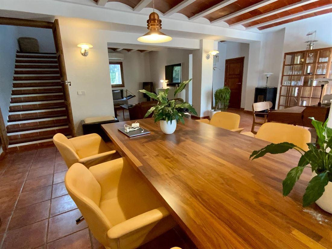 Ruime villa in aantrekkelijke Ibicencaanse stijl te koop nabij Ibiza