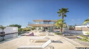 Dit prachtige huis met 4 slaapkamers te koop in Sa Carroca -Ibiza