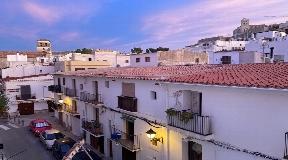 Fantastisch duplex appartement van 150m2 op de eerste lijn van de haven van Ibiza