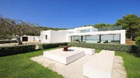 Zeer goed gelegen villa met het beste uitzicht op zee dichtbij Ibiza