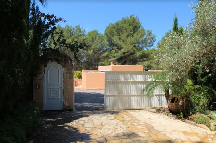 Ruime villa gelegen in een verworven gebied van Can Furnet