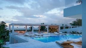 Luxe eerstelijns villa in Talamanca met geweldig uitzicht