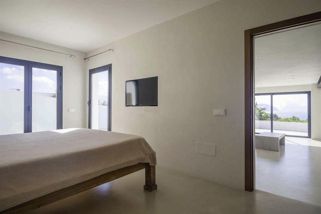 Moderne villa in Cala Codolar met fantastisch uitzicht op zee