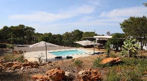 Prachtig huis gelegen in een zeer rustige omgeving op een heuvel in Cala Vadella