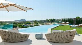 Moderne en gloednieuwe luxe villa gelegen in de prestigieuze wijk San Josep