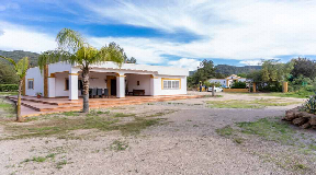 Grote finca met twee huizen in Benimussa ideaal voor paardenliefhebbers