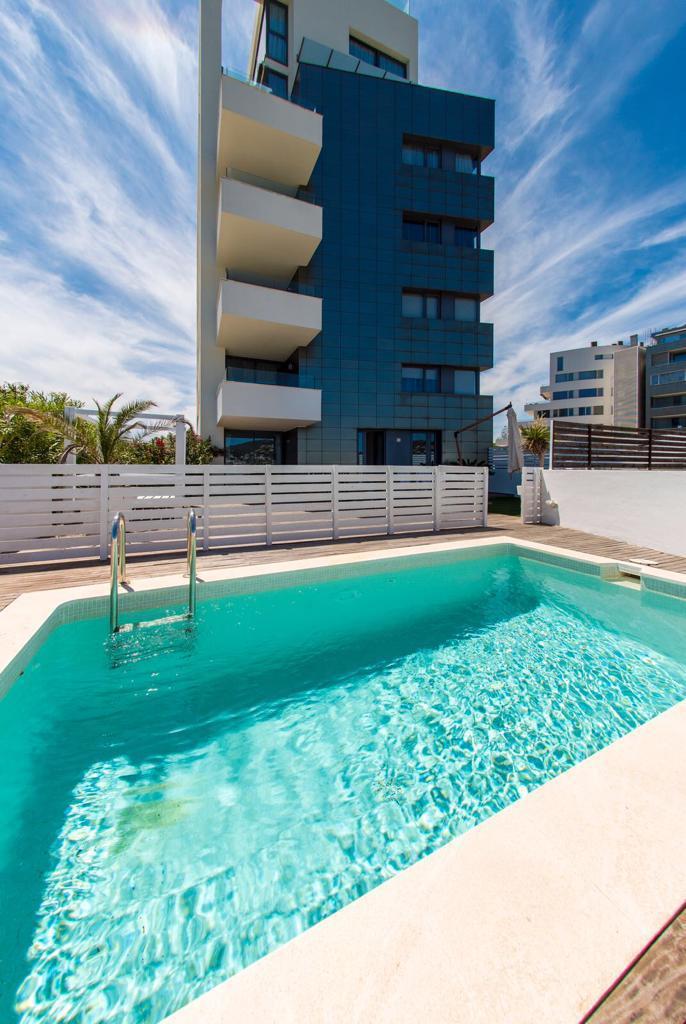 Mooi appartement met 3 slaapkamers en 2 badkamers vlakbij het strand
