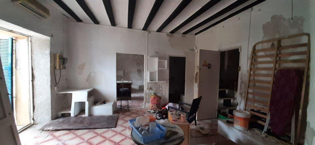 70m2 appartement met 2 slaapkamers en 1 badkamer in het hart van Dalt Vila