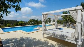 Ibiza klassieke villastijl met uitzicht op zee naar Cala Jondal met huurlicentie