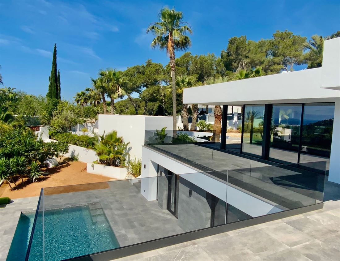 Nieuw gebouwde villa met de hoogste kwaliteitsnormen in Can Furnet