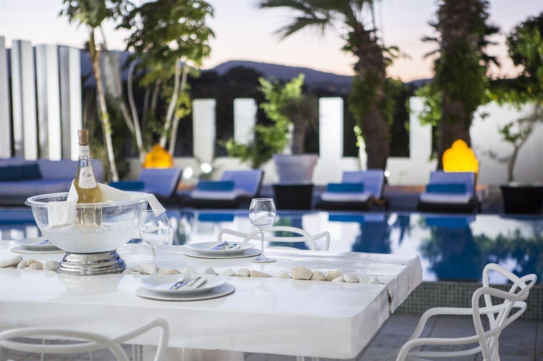 Te koop een prachtige villa in Cala Jondal op Ibiza